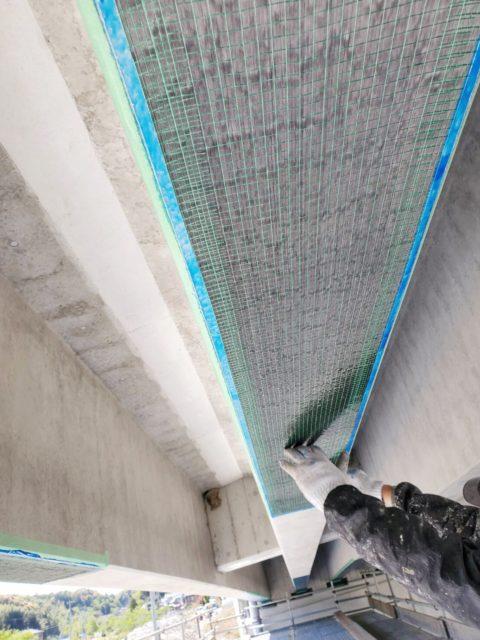 高知西BP波川高架橋上部P2-P4工事/炭素繊維補強工・炭素繊維シート貼り付け状況~中塗り状況~ストランドシート貼り付け状況~上塗り状況~完了